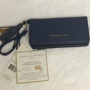 Adrienne Vittadini charging wallet